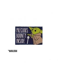 The Mandalorian Felpudo Precious Bounty Inside